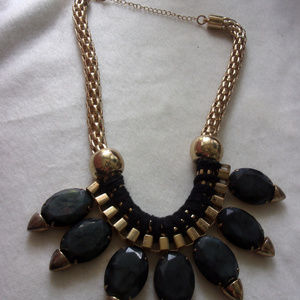 Jewelry - Big bold and glamorous baby gold & black necklace